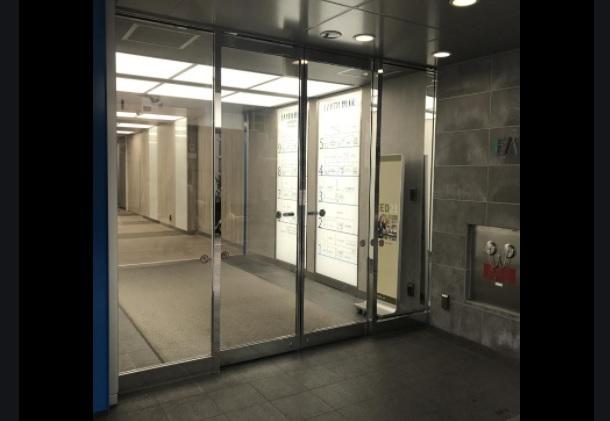 地下鉄 「北四番丁」駅南2出口から徒歩2分|地下鉄「勾当台公園」駅北2出口から徒歩6分|袖看板の「人間ドック」がビルの目印です。|ビルの1階に「セブン-イレブン」があります。